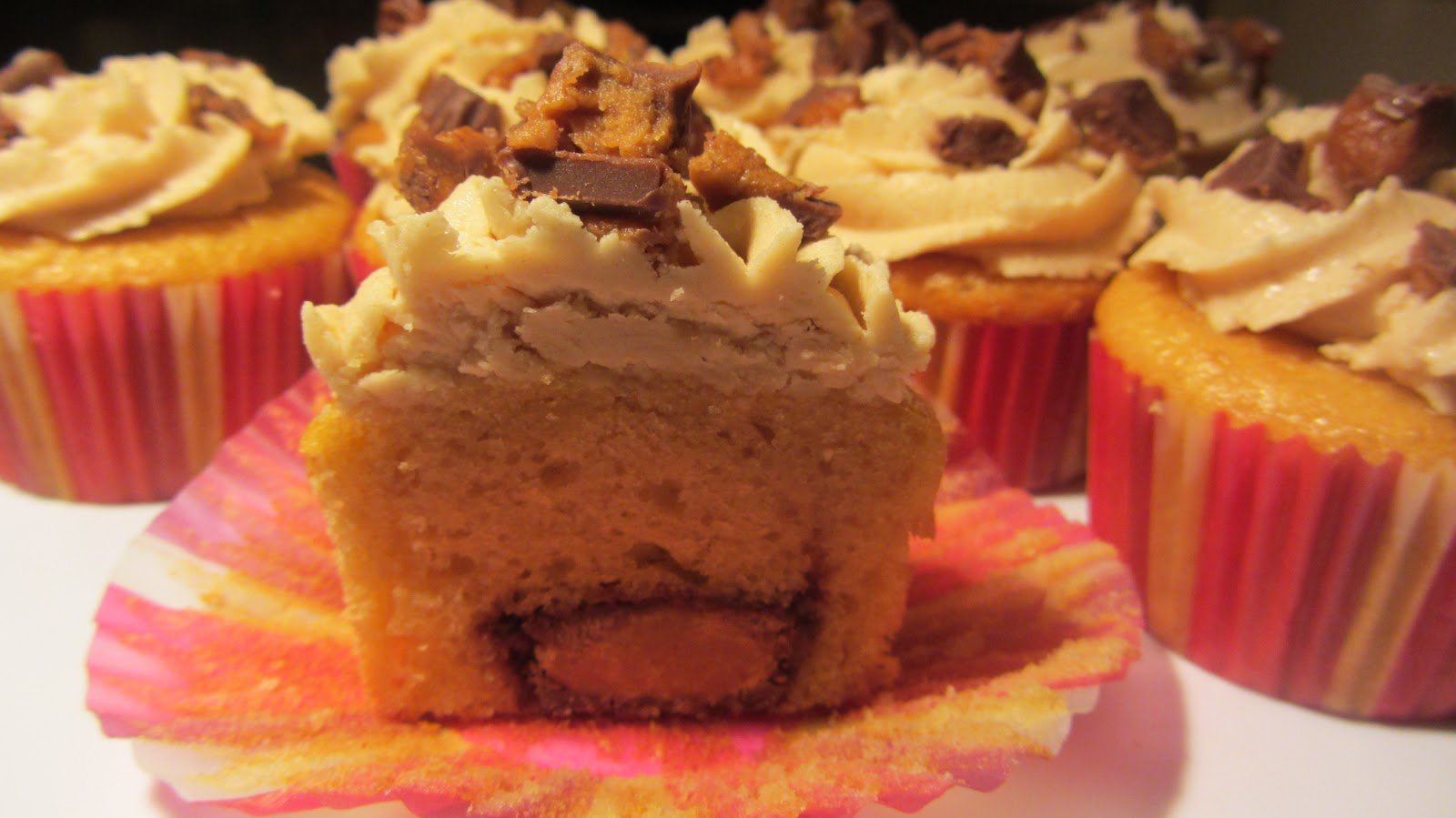 The Mandatory Mooch: Reese's Stuffed Cupcakes with Peanut Butter ...
