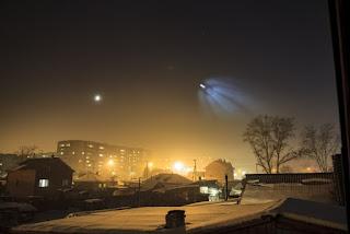 Μυστηριώδες ανεξηγητο φως στον ουρανό της Ρωσίας γίνεται ορατό και από το διάστημα (φωτό, βίντεο)