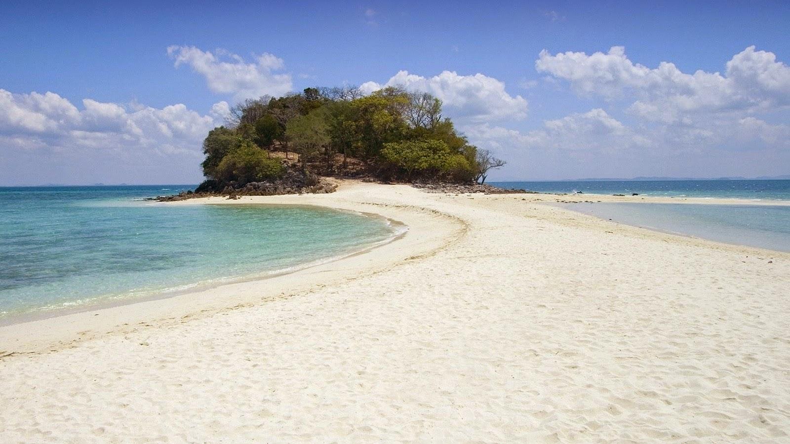 Zomer achtergrond met strand op eiland