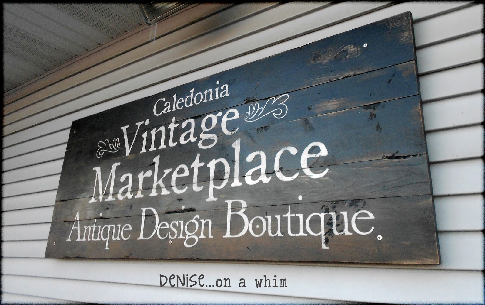 Store Entrance Sign via http://deniseonawhim.blogspot.com