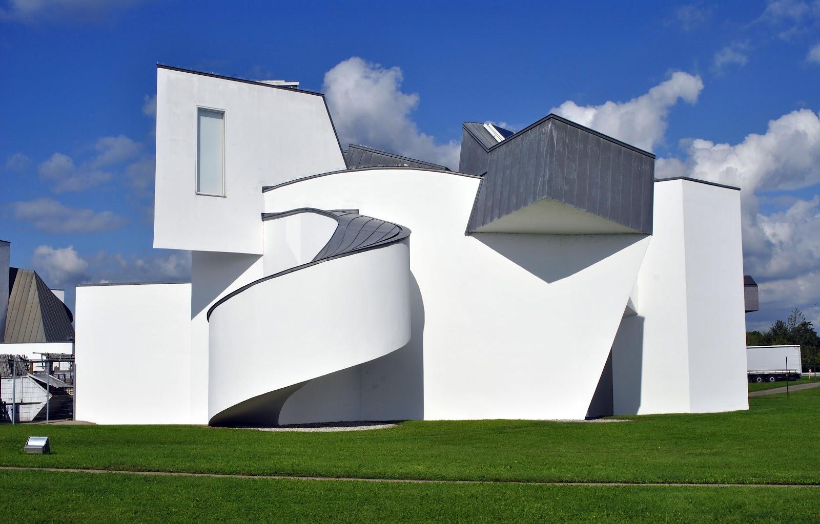 Swiss circle vitra campus leo thomas naegele for Vitra museum basel