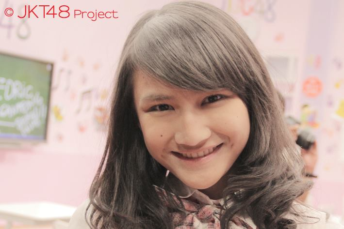 Frieska at JKT48 School episode 8