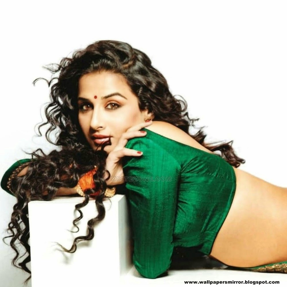 Vidya Balan hot Background hd Wallpapers