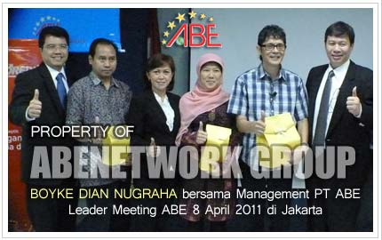 Management bersama Dr. Boyke Dian Nugraha