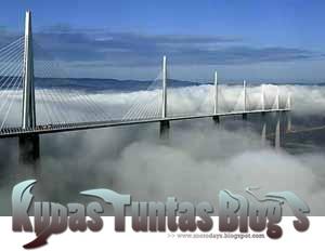 Millau Viaduct I - [www.zootodays.blogspot.com]