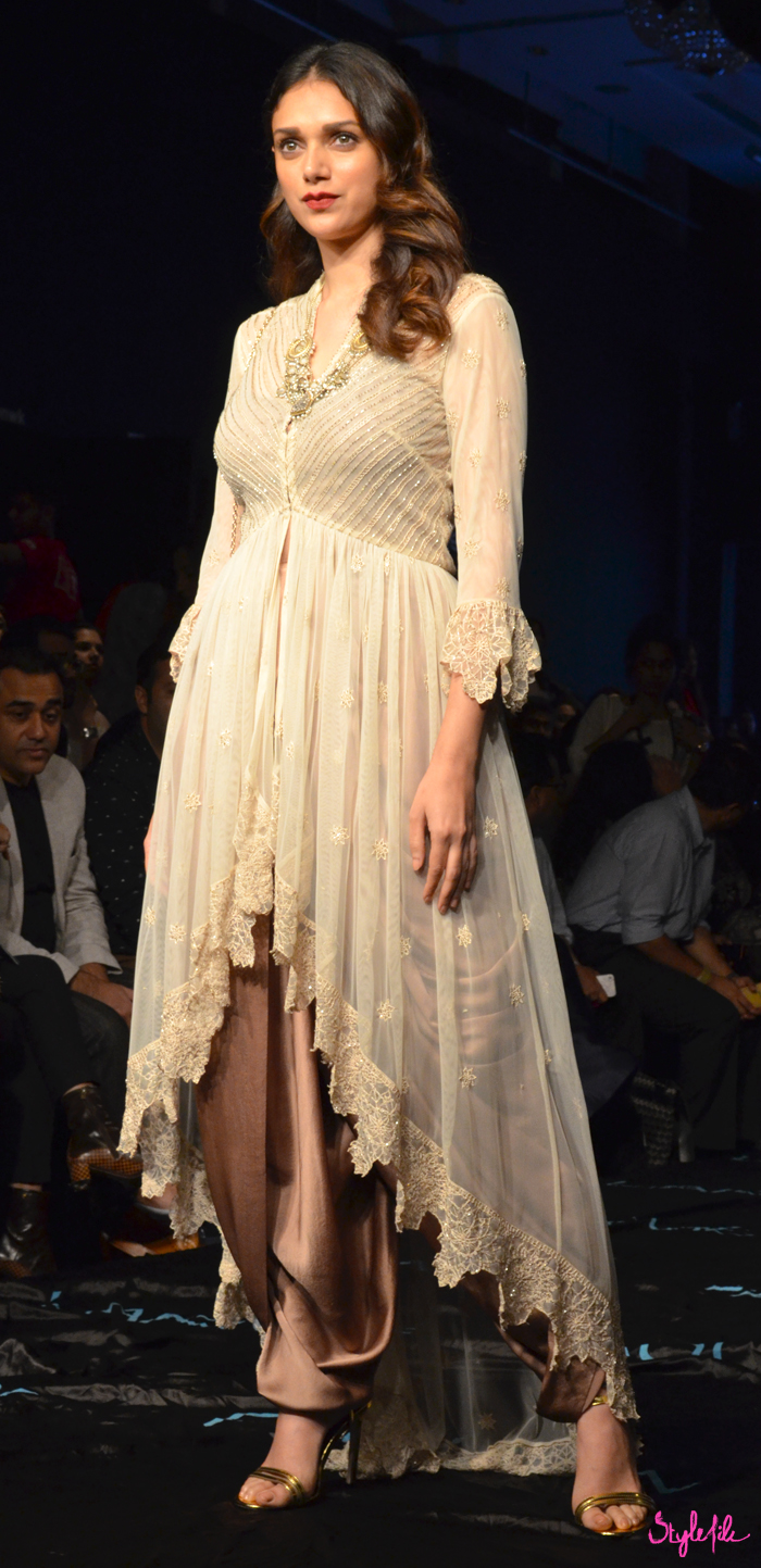 Bollywood actor and model Aditi Rao Hydari poses for the photographers before the show at Lakme Fashion Week Winter Festive 2015 at the St. Regis Hotel