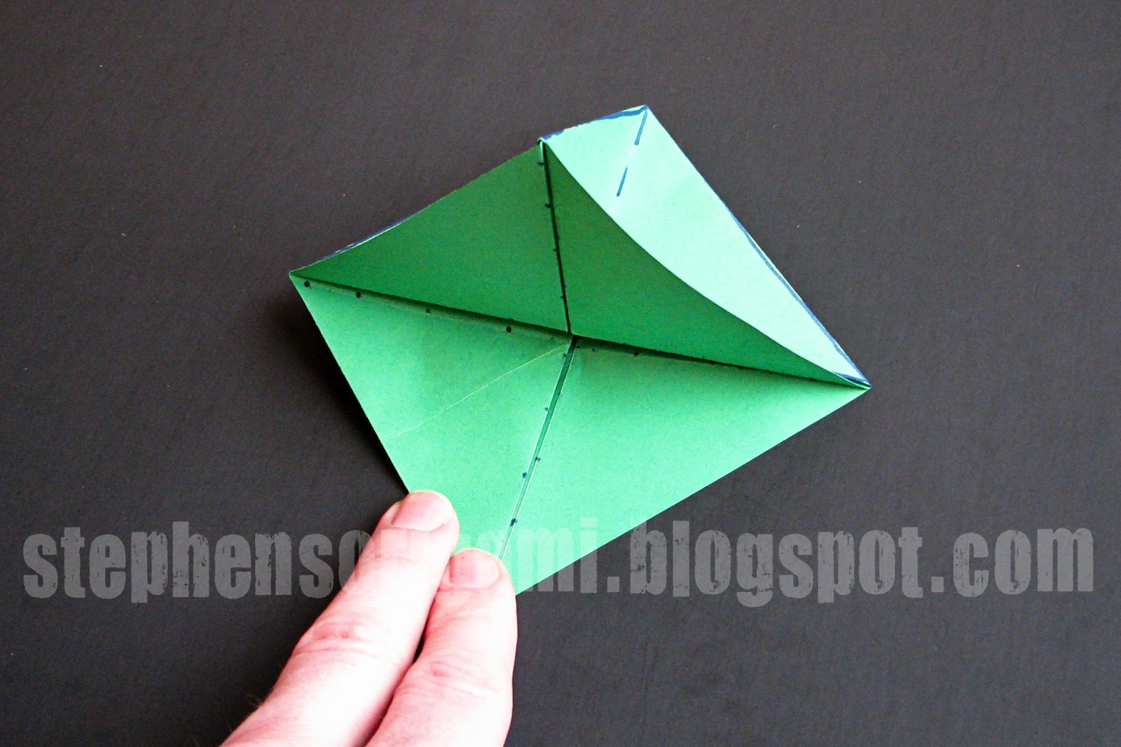 christmas tree origami Find and save ideas about origami christmas tree on pinterest | see more ideas about origami xmas, origami tree and origami xmas tree.