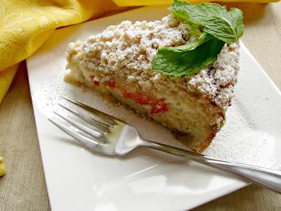Strawberry Cheese Crumb Cake