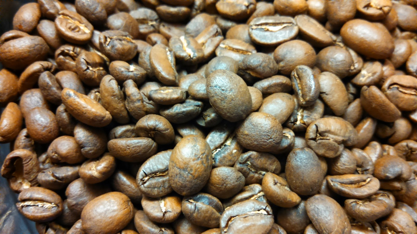 Huckleberry Roasters Blue Orchid Blend, no flash