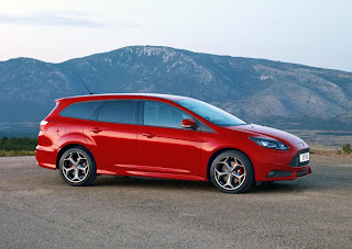 Ford Focus ST Wagon (2012) Front Side
