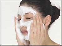 Кстати, сеточку можно использовать не только с мылом, а с любым средством для умывания.  Все! аксессуары.