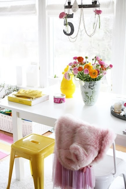 pink, yellow, white, desk, table, design