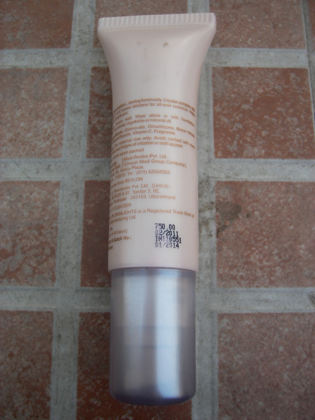 how to use revlon skinlights face illuminator lotion