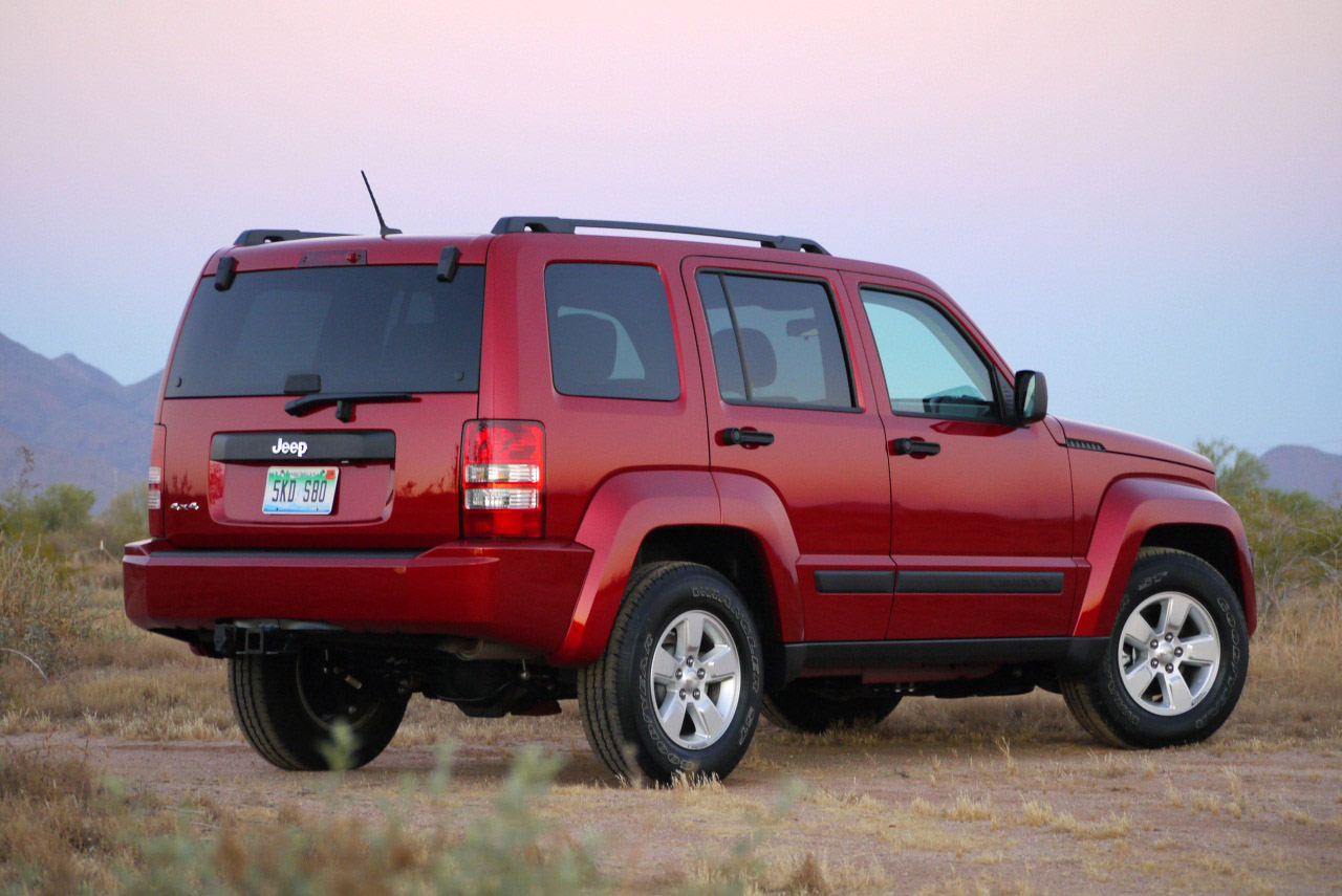 2010 JEEP LIBERTY SPORT HD WALLPAPER
