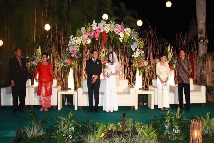 Gazebo garden party the concept of marriage in the gazebo garden restaurant will be made carefully so it will fit with what you want and we will provide the best service from junglespirit Choice Image