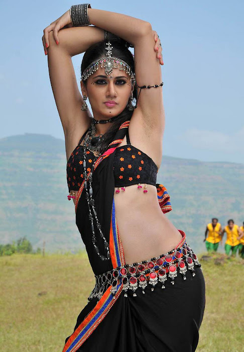 tapasee pannu armpit movie