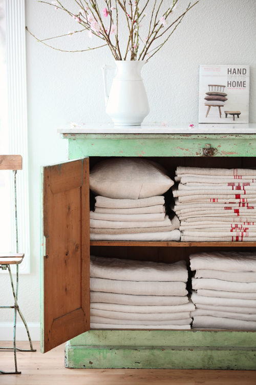 Dreamy Whites: Hand Made using Vintage Linens.... Remnants of the Past Antiqu...