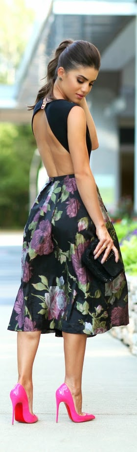 Black Multi Full Satiny Floral A-skirt with Bright Pumps | Chic Street Outfits