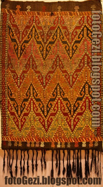 Cicim: Traditional Turkish Carpet Kilim
