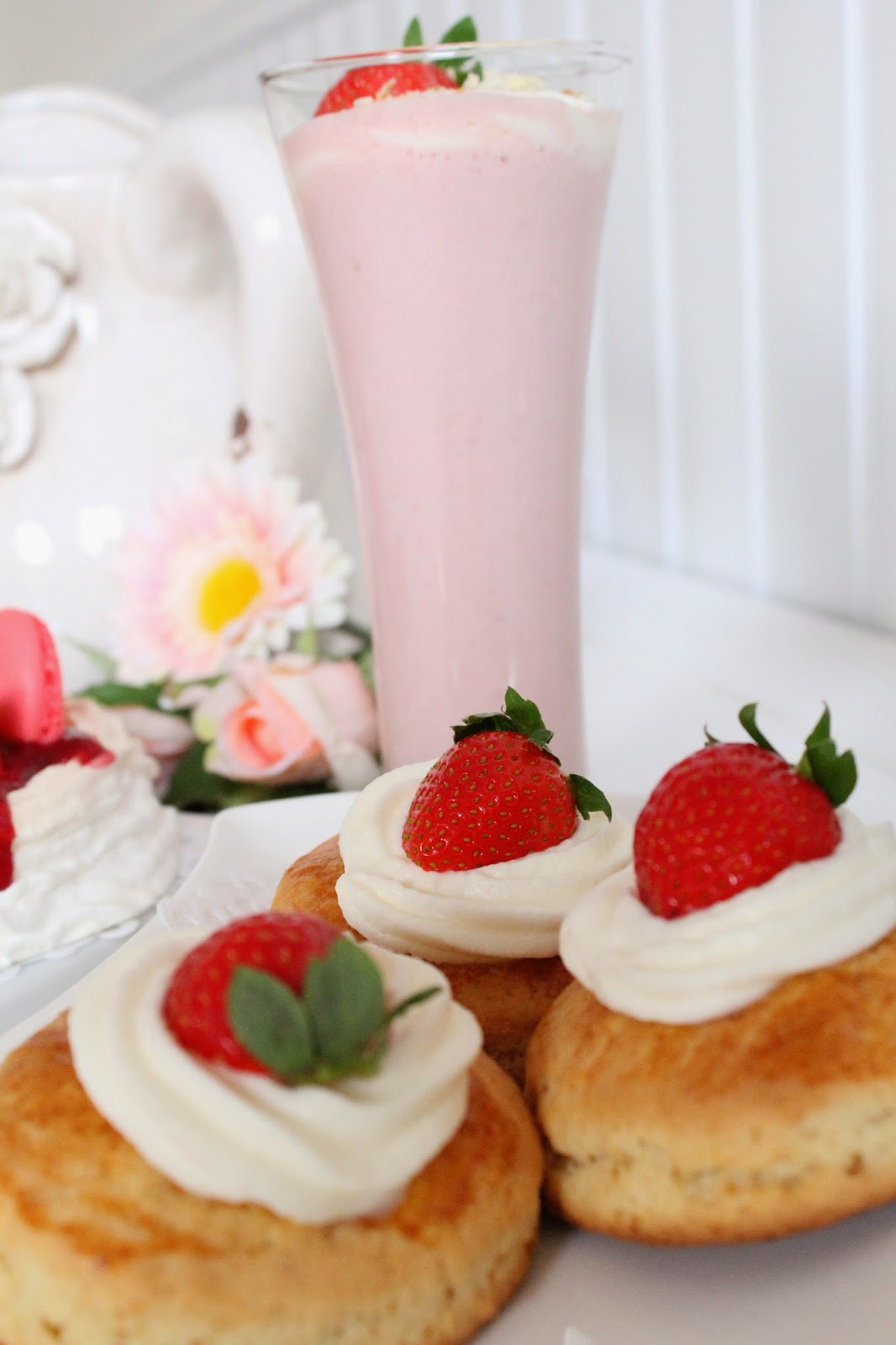 strawberry-shortcakes-y-batido-de-fresa