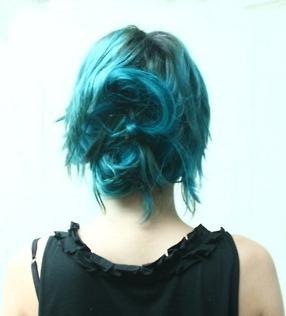 cabello de color azul