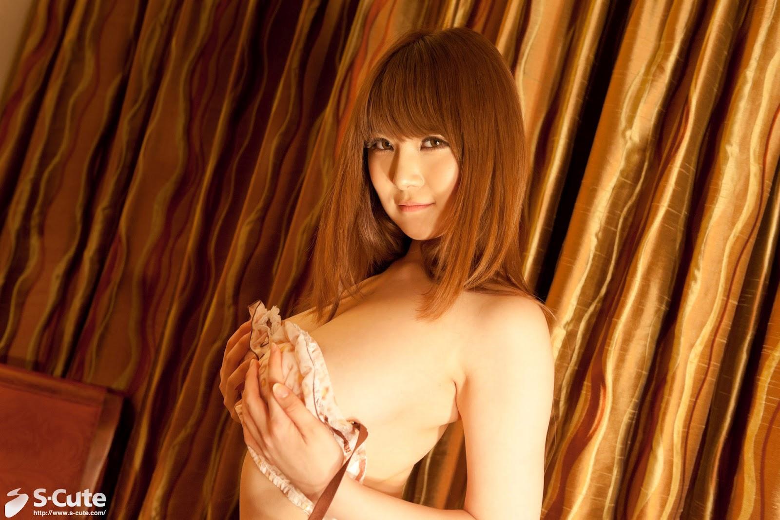 S-Cute Momoka Nishina