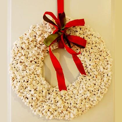 Christmas Popcorn Wreath