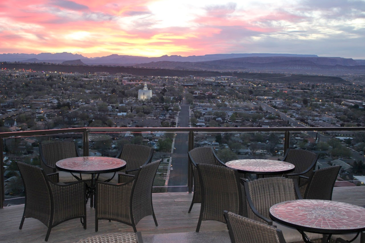 Tom And Dorothy Heers, Creators Of The Anniversary Inn In Salt Lake City,  Utah Finished Complete Renovations Last Month And Opened The Former  Sullivanu0027s ...