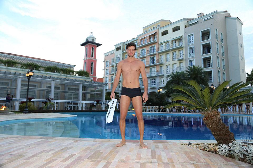 Mister Ilha do Farol - Eduardo Lisboa, 23 anos, 1,90 m  - Foto: Leonardo Rodrigues