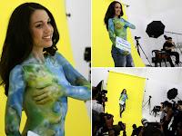 Ex-miss posa seminua com pintura para promover vegetarianismo