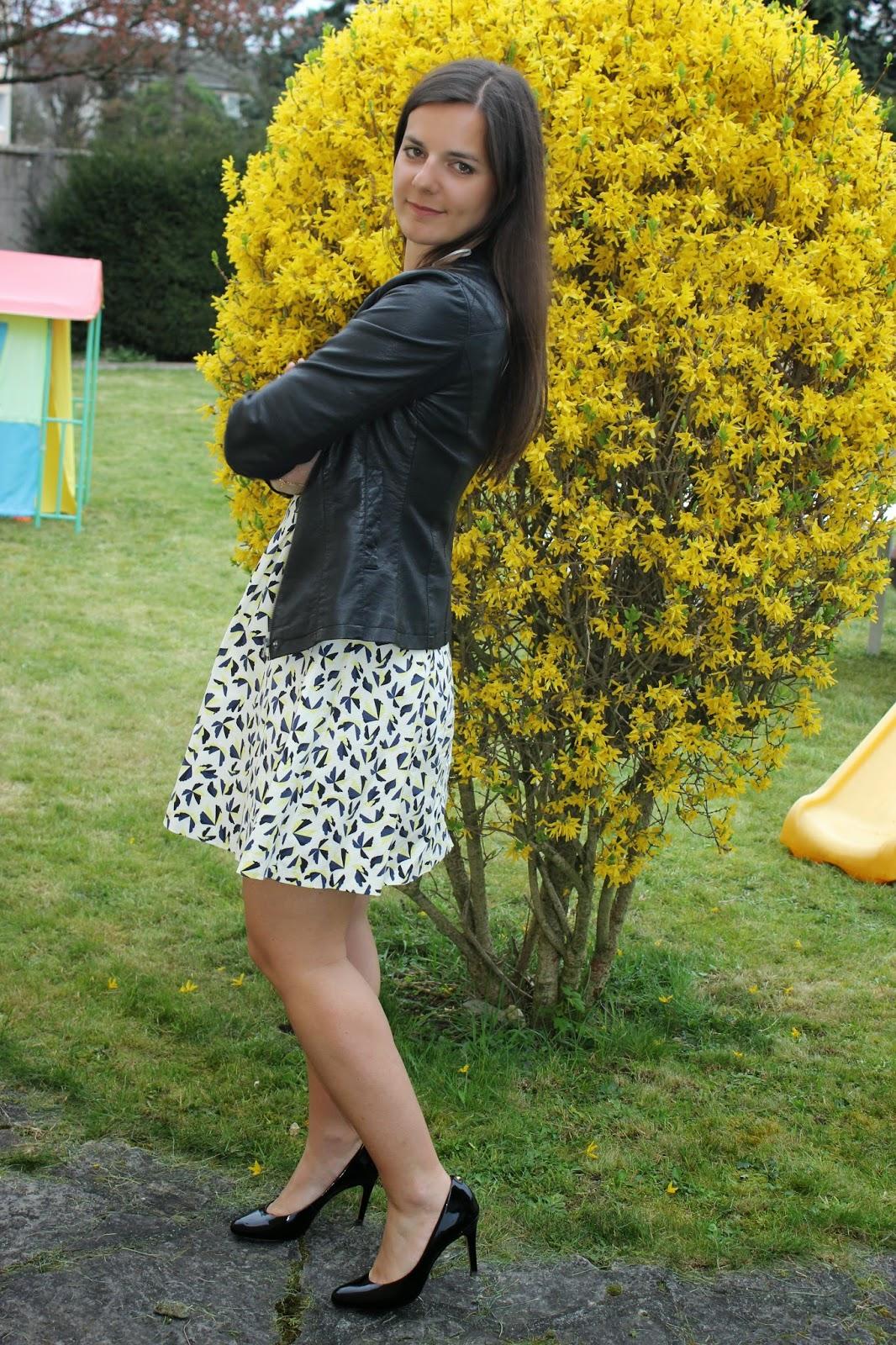 Robe fleur jaune Zara chaussures cosmoparis