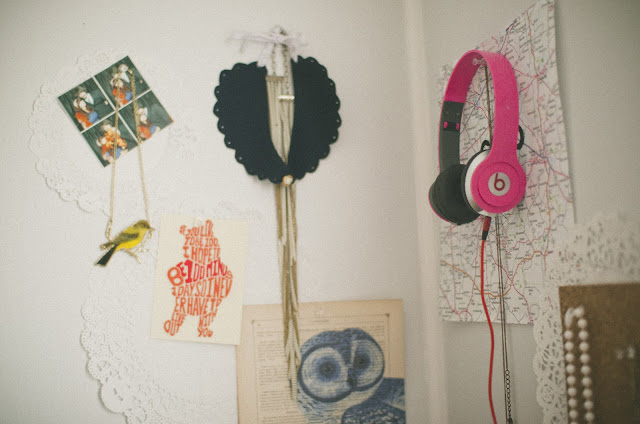 Lee Crutchley, bird, necklace, map, beats by dre, pink, beats, decor