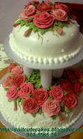 2 tiers wedding cake