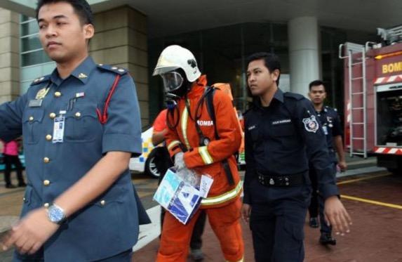 Sampul berserbuk gemparkan kakitangan pejabat KKM