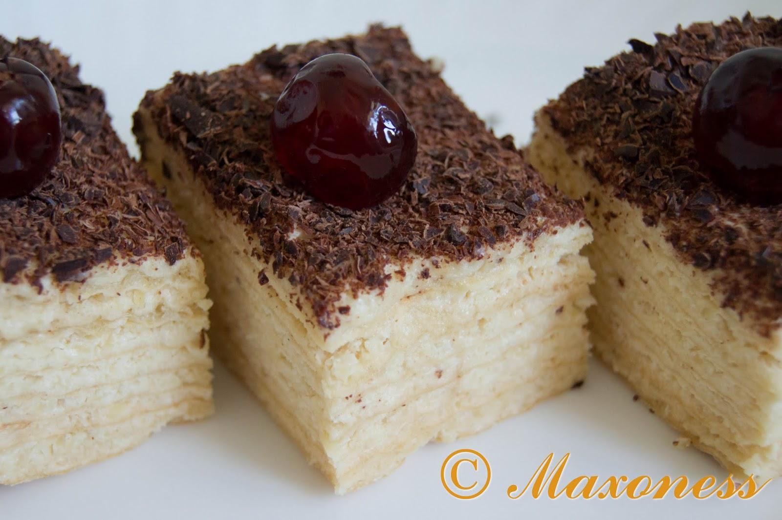 Вафельный торт со сливочно-миндальным кремом