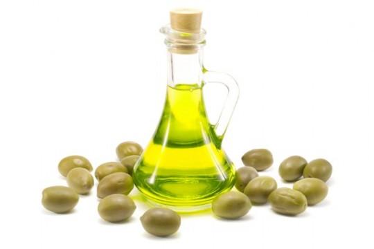 Olejowanie włosów cz. 2- przykładowe oleje, ich właściwości oraz przykładowe produkty do olejowania