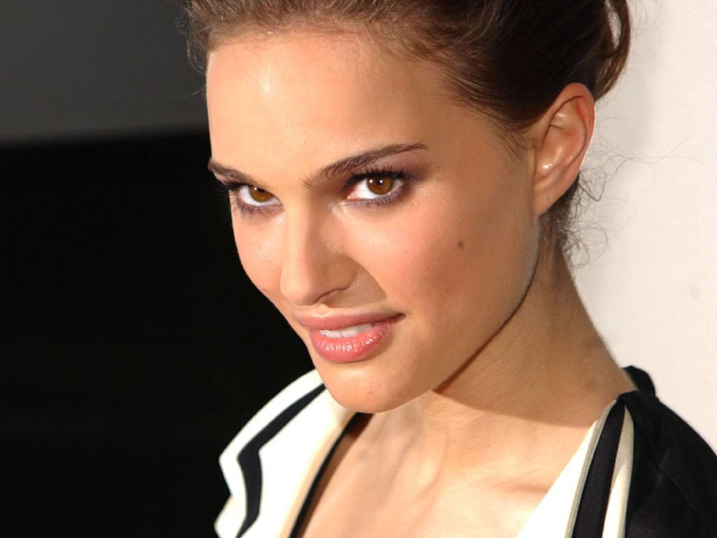 http://3.bp.blogspot.com/-KsasZAdtbV4/TVgwATVzq1I/AAAAAAAAAHg/4ENbrlKqbsE/s1600/Actress-Natalie-Portman.jpg