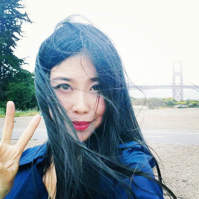 asian girl peace sign