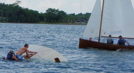 """Good Samaritans"" got a workout righting capsized boats"