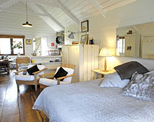 ill seen ill said unique home stays. Black Bedroom Furniture Sets. Home Design Ideas