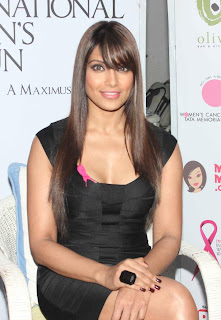 Bipasha wearing black dress in this event