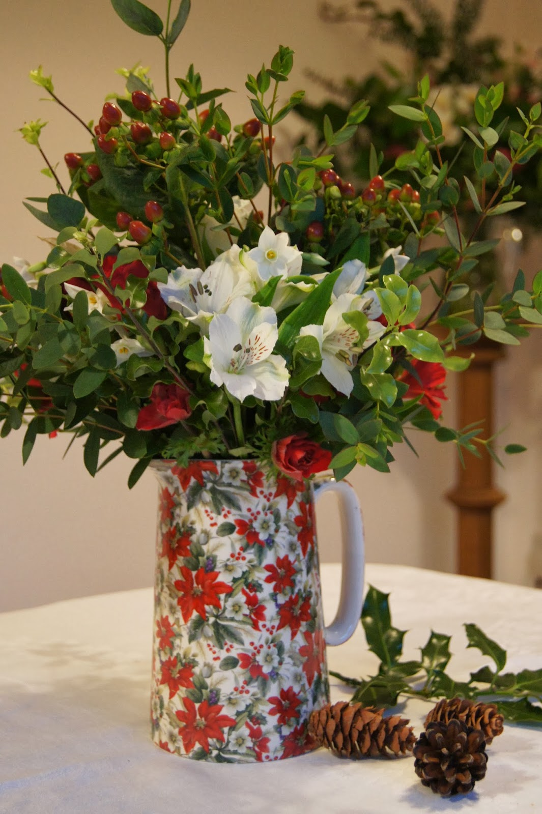 Meadowsweet: Christmas flowers: bouquets and workshops