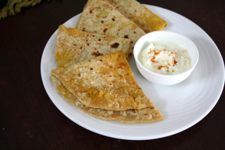 Aloo cheese paratha stuffed aloo cheese paratha easy lunch recipes cheese aloo paratha forumfinder Choice Image