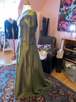 StinaP omsydd brudklänning