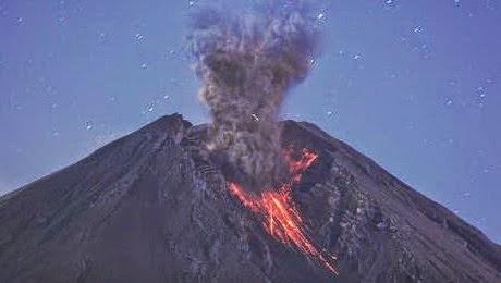 Foto letusan gunung slamet