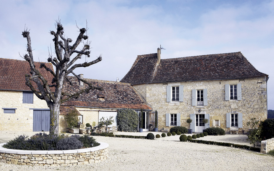 Something blue living saturday swoon dordoyne france for French country homes in france