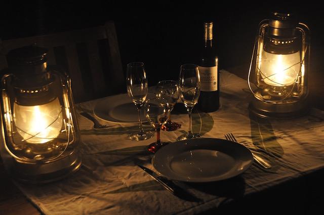 diner romantique maison soiree romantique date de soire romantique en chambre du0027htel mec. Black Bedroom Furniture Sets. Home Design Ideas
