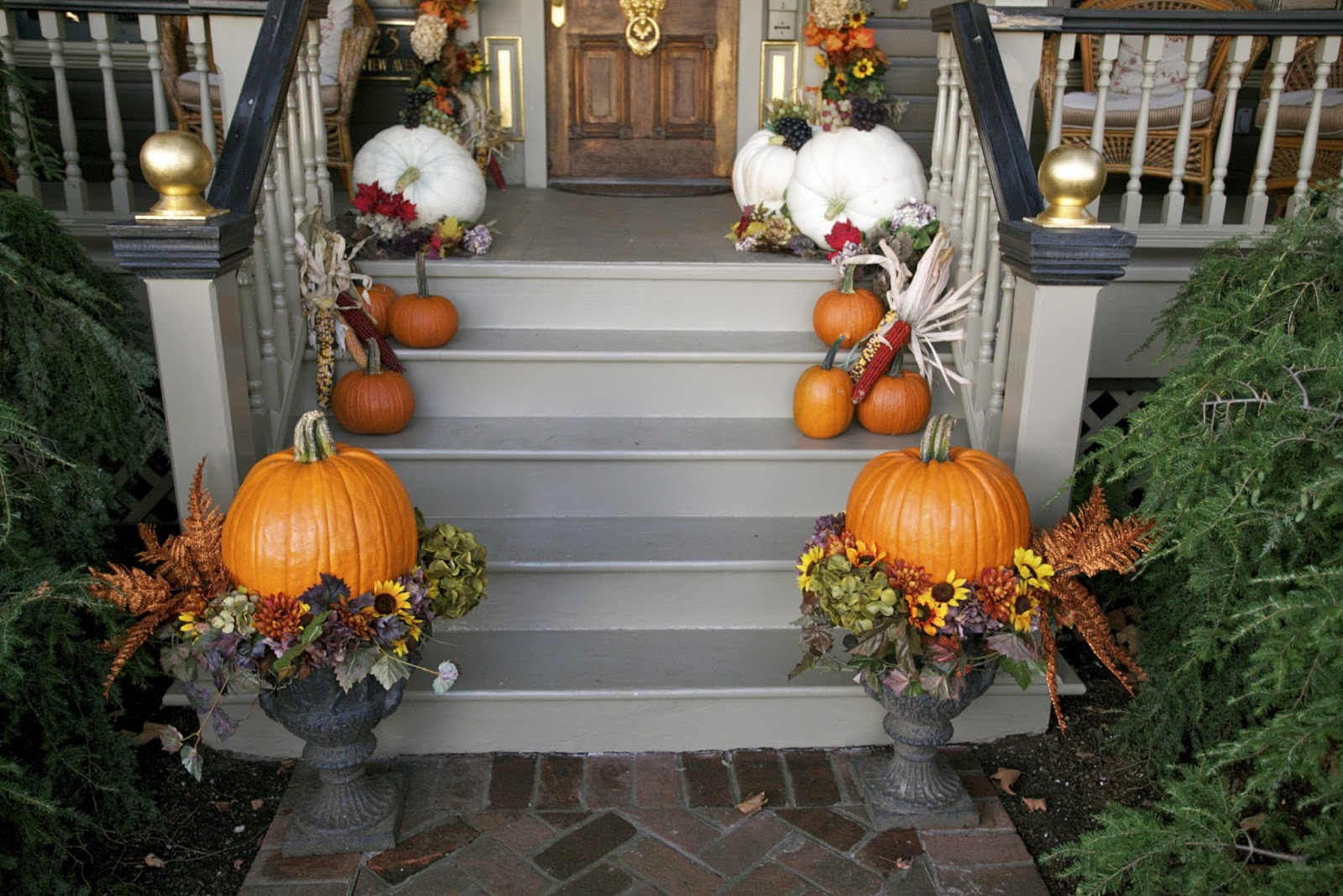 Fall decorating How to decorate your front porch for fall