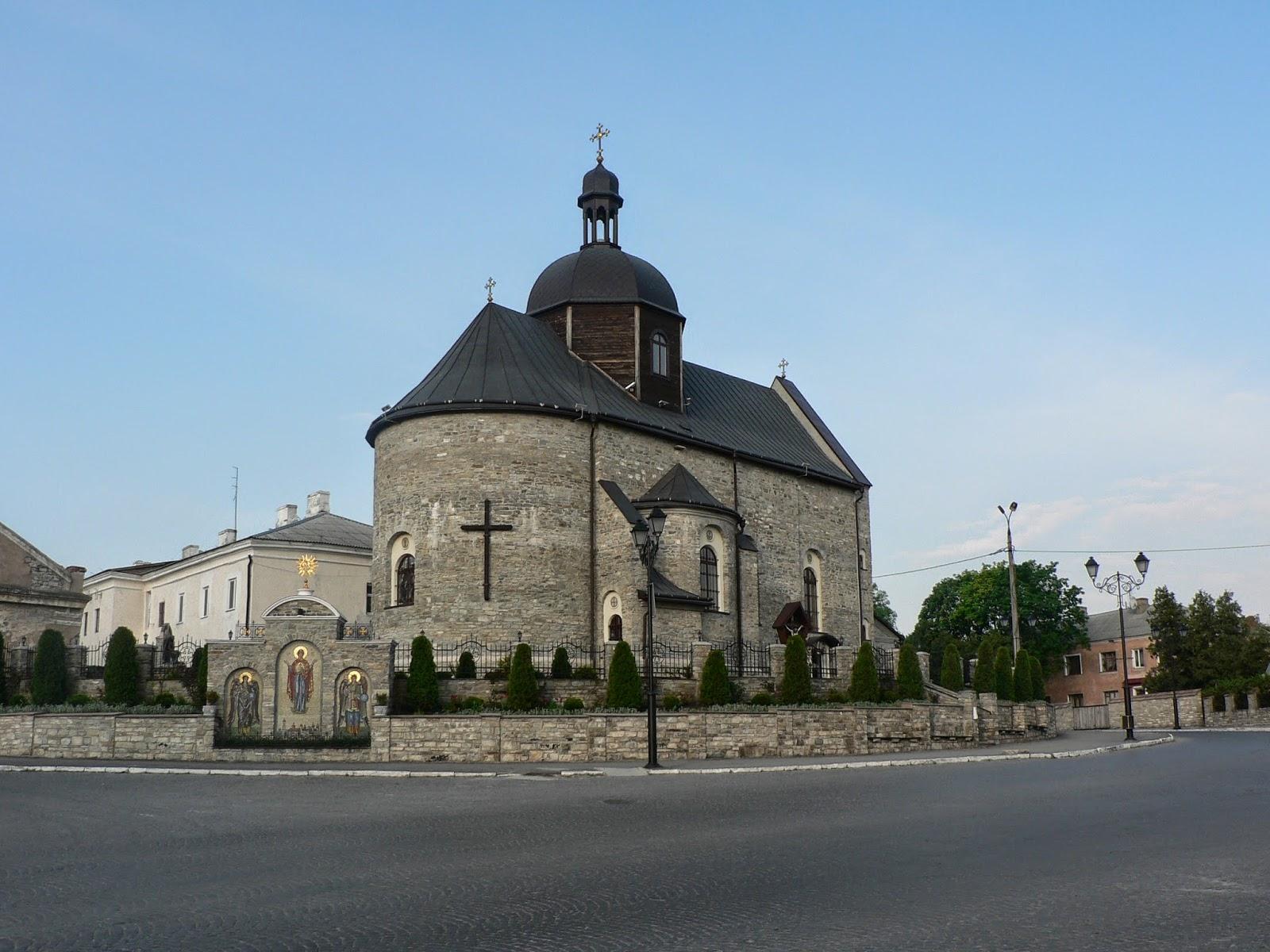 Троицкая-Церковь-в-Каменец-Подольском