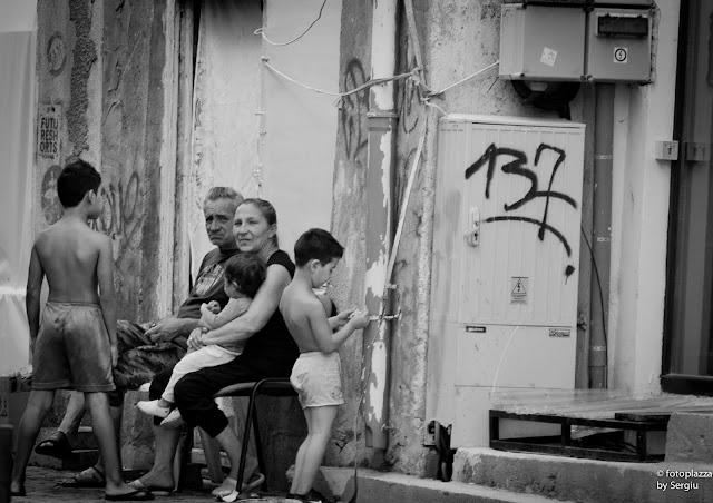 Lipscani, street photography blog, dolce far niente, bucuresti city